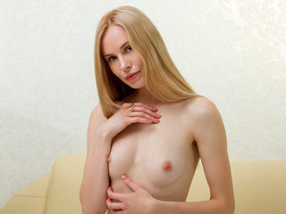 Ash-blonde Sweetie